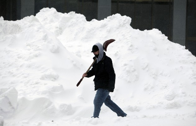 Copy of boston_blizzard_shoveling
