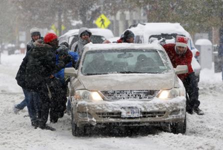Copy of snow_pushing_car